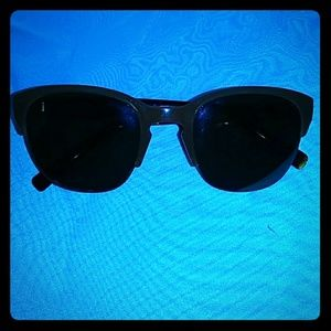 Drew's Pick: COLE HAAN SUNGLASSES